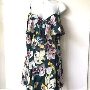 NWT GUESS FLIRTY FLORAL ROMPER